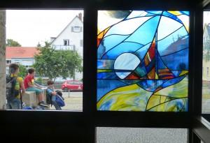 AMG-Glasbild mit Schülern-A
